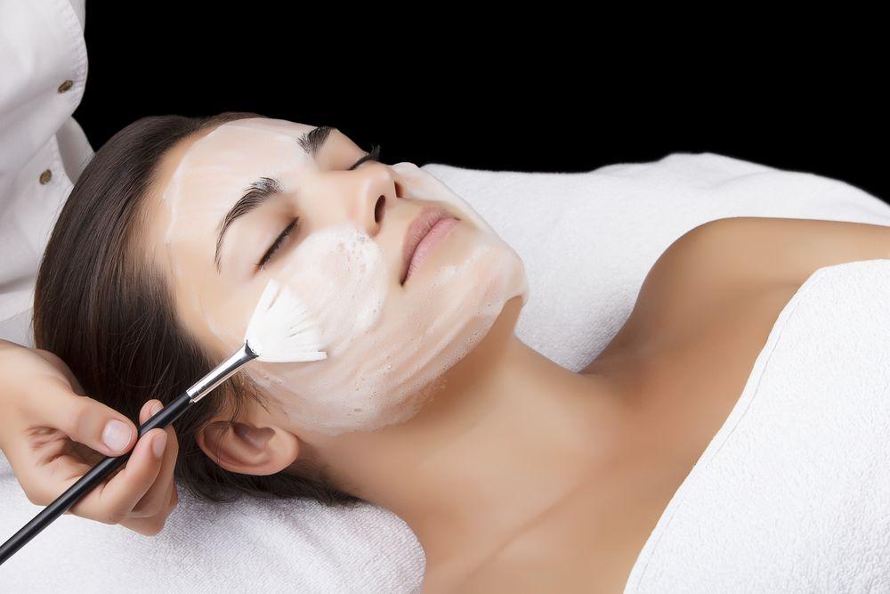 Глубокое очищение кожи лица в домашних условиях: очищающая маска, средства и щетка для лица